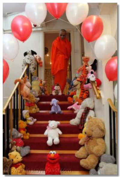 Teddy Bear Decoration to please Acharya Swamishree