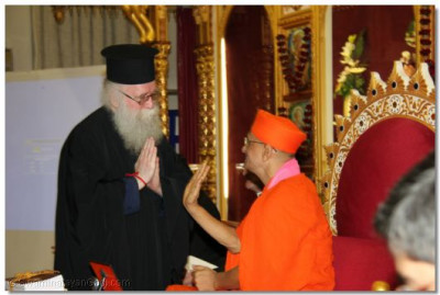Revd Deacon Meliton Oakes Emissary of The Archbishop of the Thyateira and Great Britain thanks Acharya Swamishree