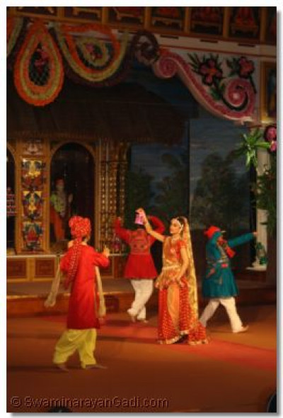 Vah Re Ghanshyam - the village searches for the children