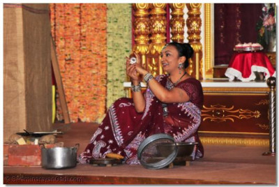 Vah Re Ghanshyam - Suvasini bhabhi takes off her ring to cook