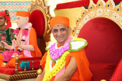 Acharya Swamishree shows His delight on this joyous day