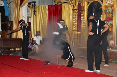 Disciples perform a dance based on Michael Jackson's Thriller bringing back memories of the original dance performed in the late 80's/early 90's at Shree Swaminarayan Temple London