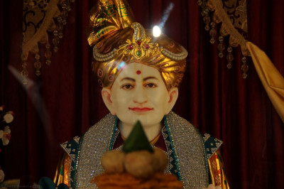 Divine darshan of Jeevanpran Shree Abj Bapashree