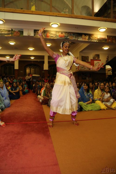 Disciples perform a Bharatanatyam dance to please Lord Shree Swaminarayanbapa Swamibapa