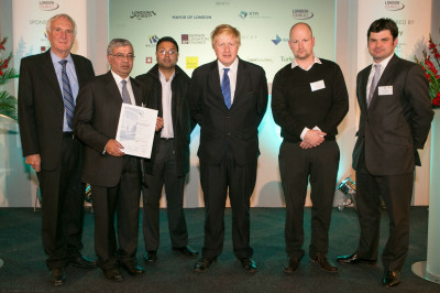 Mayor of London, Boris Johnson with representatives of the Mandir after the awards ceremony
