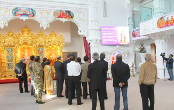 British Army's Chaplain General, Reverend Dr David Coulter Visits Mandir