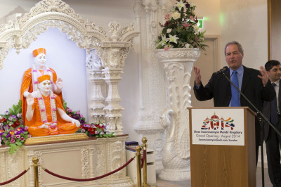Bob Blackman MP standing for Harrow East addresses the congregation