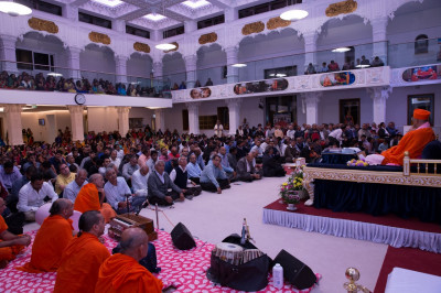 Hundreds of disciples gather at Shree Swaminarayan Mandir Kingsbury to recognise and celebrate all achievement