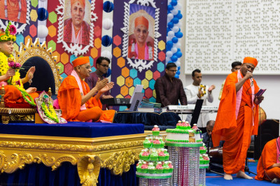 Talented sants and disciples perform a melody of devotional songs