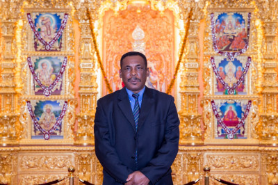 Gordon Greenidge inside the main hall in front of Lord Shree Swaminarayanbapa Swamibapa at Shree Swaminarayan Mandir Kingsbury