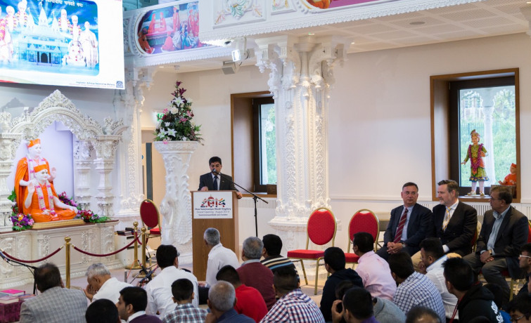 Youth counts, you count - Labour candidates visit Kingsbury Mandir