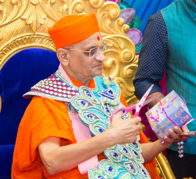His Divine Holiness Acharya Swamishree officially releases the new DVD and blue-ray sets