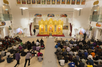 Hundreds of disciples gather at Shree Swaminarayan Mandir Kingsbury to celebrate the anniversary of the divine Shikshapatri scripture