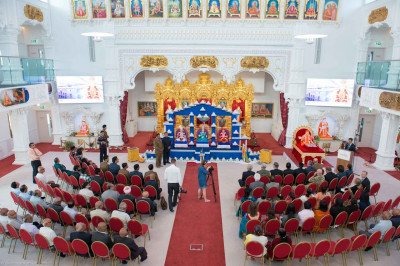 Honoured guests seated inside Shree Swaminarayan Mandir Kingsbury