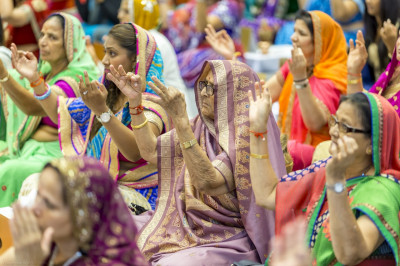 Over 370 disciples take part in the Mahapooja ceremony