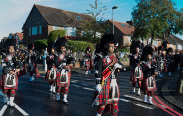 Shree Muktajeevan Swamibapa Pipe Band London Leads Remembrance Day Parade - Edgware