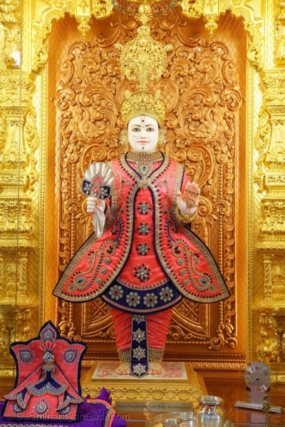 Divine darshan of Lord Shree Swaminarayan in Kingsbury Mandir