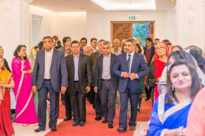 Mayoral candidate for Labour Sadiq Khan and local councillors and honoured guests enter Shree Swaminarayan Mandir Kingsbury