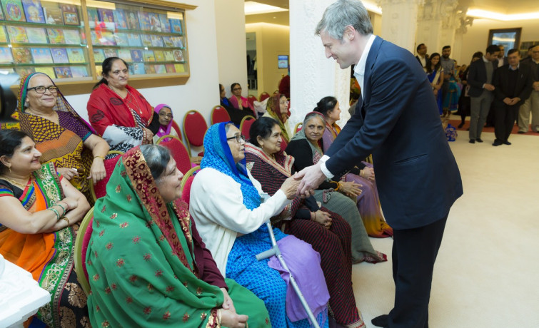 Conservative Mayoral Candidate, Zac Goldsmith visited Shree Swaminarayan Mandir Kingsbury