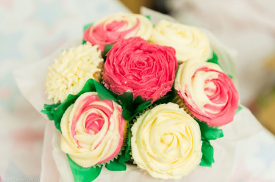 Flowers made from cake