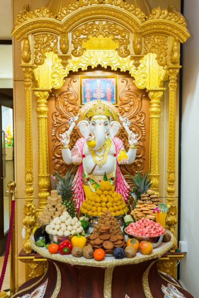 Annakut offered to Shree Ganpatiji
