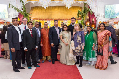 Honoured guests visit the mandir on New Year's day
