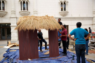 Disciples prepare decorations for Diwali and New Year celebrations