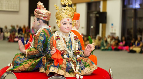 Sharad Poonam was celebrated by the community at Shree Swaminarayan Mandir Kingsbury on 5th of October 2017
