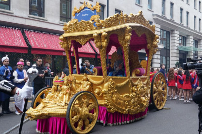 The magnificent golden chariot is in place for the start of the parade