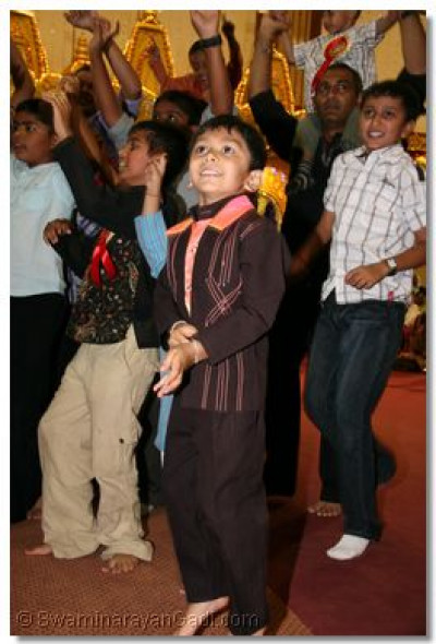 The very young disciples dance at the finale of the Raas to please Lord SwaminarayanBapa Swamibapa
