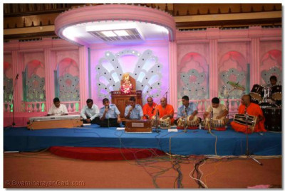 Devotees sings kirtans during the performances