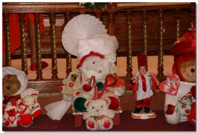 Teddy Bears theme set by devotees for Valentine Day
