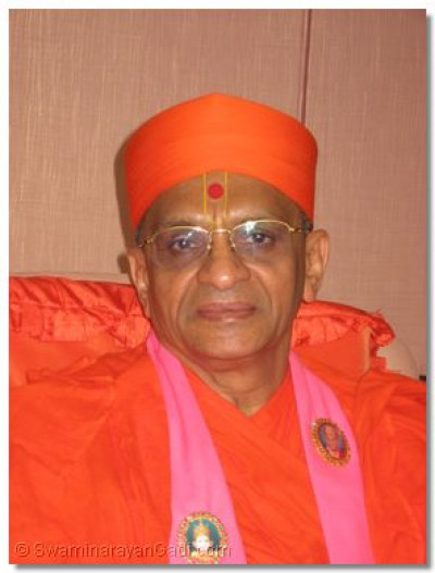 Divine Darshan of Acharya Swamishree at J.K.I.A