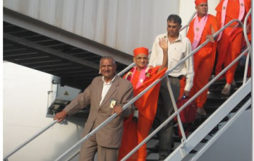 HDH Acharya Swamishree Arrives in Nairobi