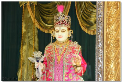 Divine darshan of Lord Swaminarayan on patotsav