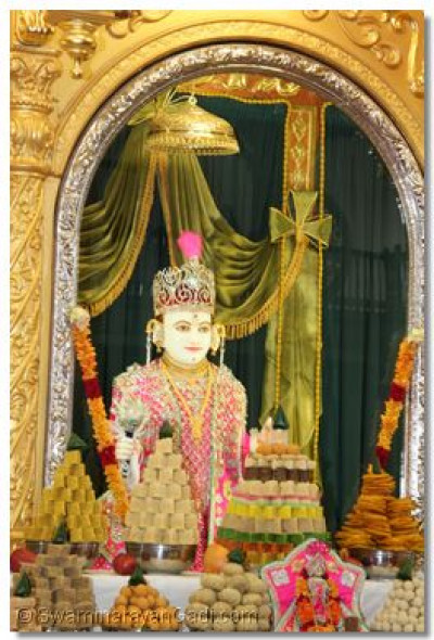 Ankoot thaar offered to Lord Swaminarayanbapa Swamibapa