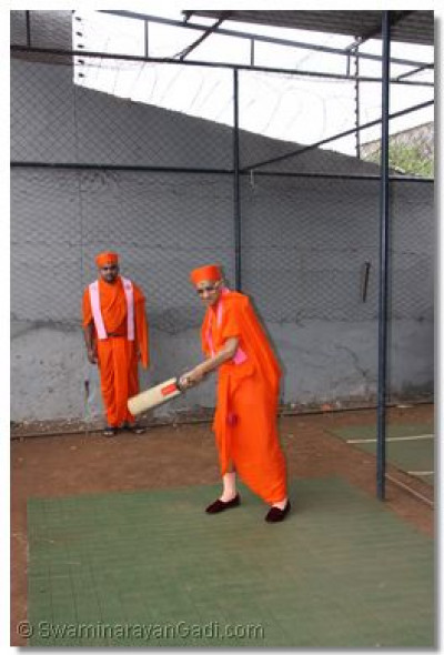 Acharya Swamishree hits the Cricket ball