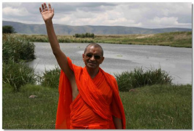 Divine darshan of Acharya Swamishree at the Waterhole in the Ngorongoro National park