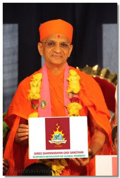 Acharya Swamishree supports mitigation of global warming