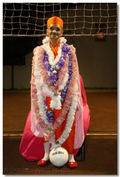Acharya Swamishree on the Volleyball court