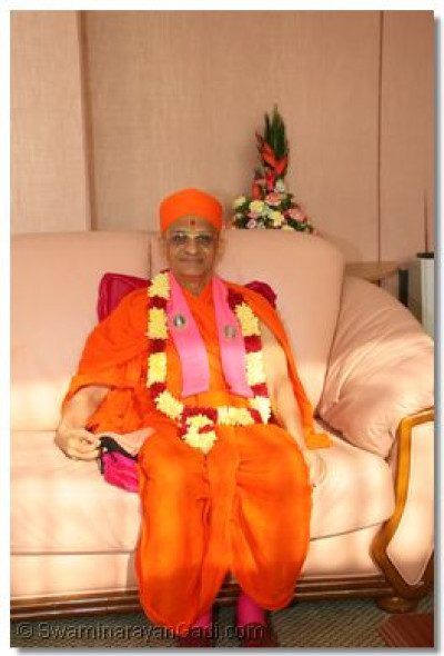 HDH Acharya Swamishree at VIP lounge-JKIA