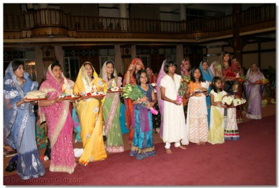 Disciples offer various gifts to Lord Shree SwaminarayanBapa Swamibapa