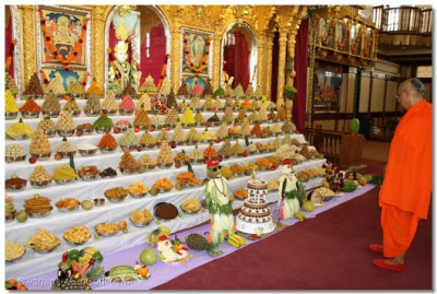 Sants and disciples prepare over one hundred different varieties of items forming the ankot to please Lord Shree SwaminarayanBapa Swamibapa