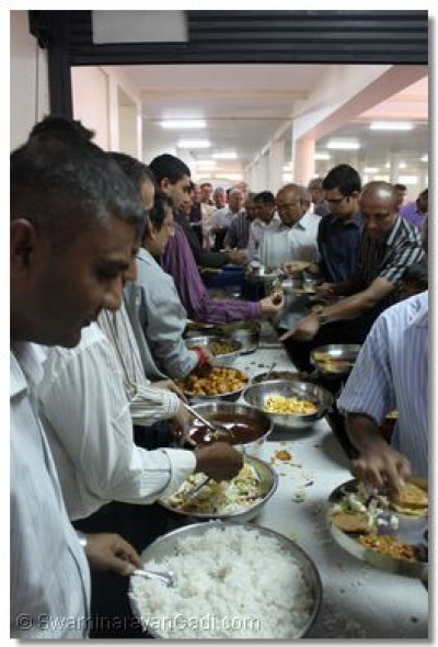 Disciples serve delicious prasad lunch
