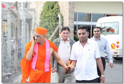 HDH Acharya Swamishree at Jomo Kenyatta International Airport