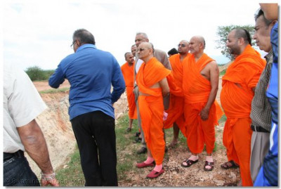 A devotee explains to Acharya Swamishree exactly what had happened during the demolition and the reason behind it