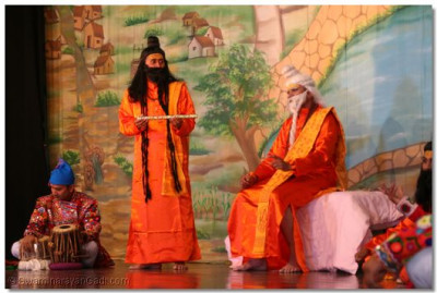 One of the assistants of guruji convince the villagers to part with their wealth in exhange for 'vansdi'