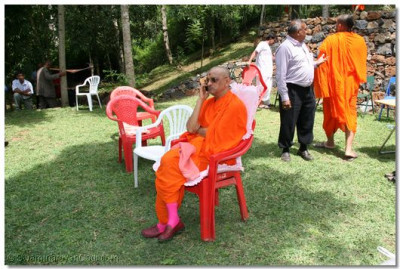HDH Acharya Swamishree keeps in touch with all his devotees