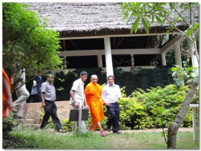 HDH Acharya Swamishree takes walk to the stream