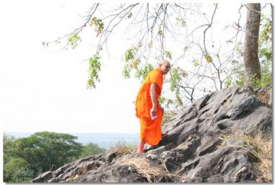 Acharya Swamishree takes a walk to see the beauty of the nature
